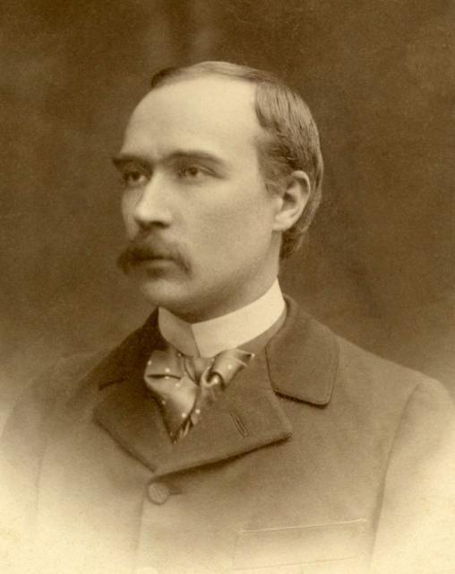 http://www.aihs-iahs.org/en/system/files/images/Bernard.Carra%20de%20Vaux.1867-1952.C004.preview.jpg